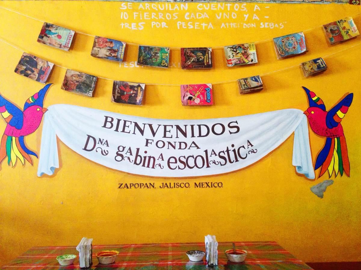 Doña Gabina Escolástica: antojitos tapatíos y mucho color