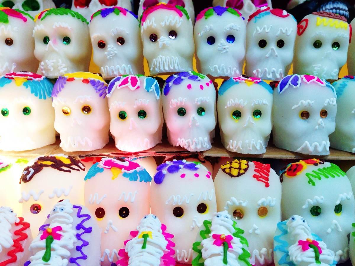 Fiestas y altares por el Día de Muertos