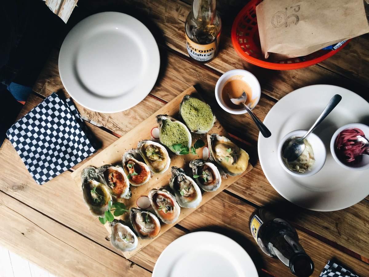 Puerto Clandestino: ostiones, ceviches, aguachiles y cerveza