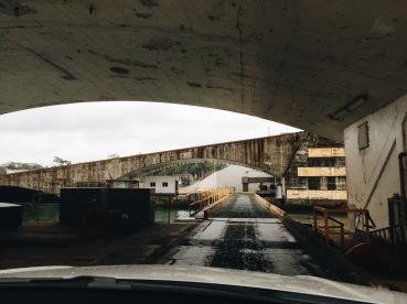 Entrando a las instalaciones de Agua Clara/Entering the Agua Clara facilities