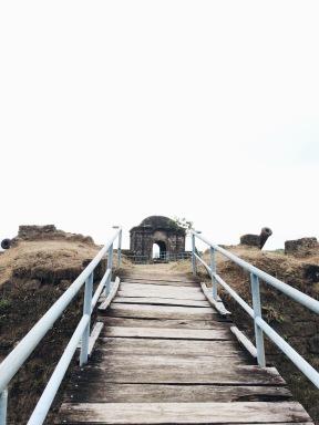 Entrada al Fuerte/Entrance to the Fort