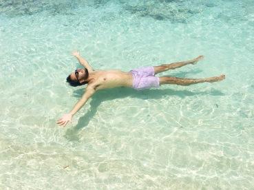 De muertito/Floating around